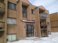 * Laval - Vimont - STYLE CONDO Beau & Grand 3 1/2 -  $595,00