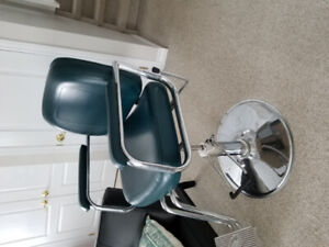 ORBIT BARBER CHAIR