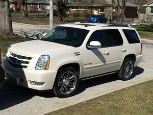 2013 Cadillac Escalade Premium - Immaculate Condition
