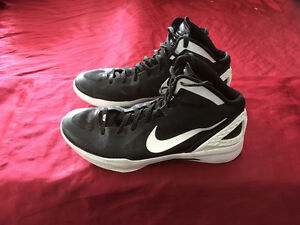 Nike HyperDunk Basketball Shoes Almost Like New Size 15