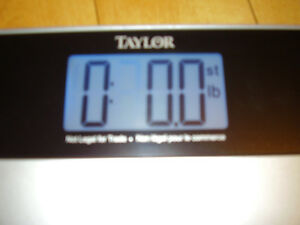 """TAYLOR Electronic Scale with Accu-Glo Backlight - Only .5"""" Thick Kitchener / Waterloo Kitchener Area image 9"""