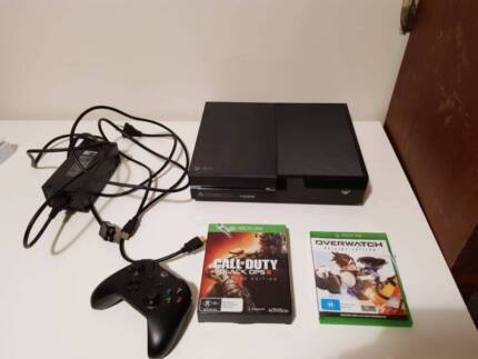 Xbox One + 4 Games + Controller