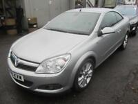 2009 Vauxhall Astra Twintop 2Dr 1.8 16V 140 Design Petrol silver Manual