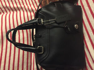 New coach leather purse authentic brand new only 500$