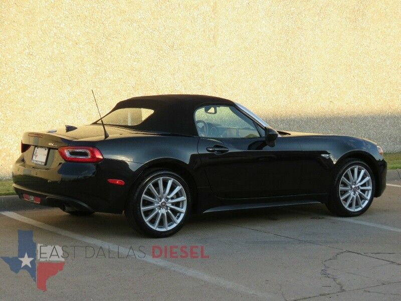 Image 3 Voiture American used Fiat 124 Spider 2017