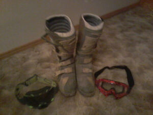 Thor dirtbiking boots Fox goggles