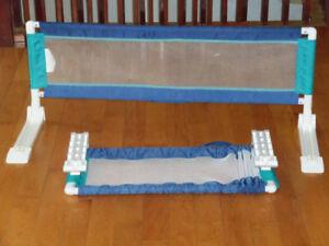 2 Barrières de lit très propre, non fumeur