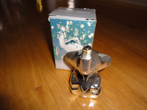 Brand new in box silver plated elephant bottle opener London Ontario image 6