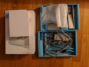 Nintendo Wii + Accesories - USED