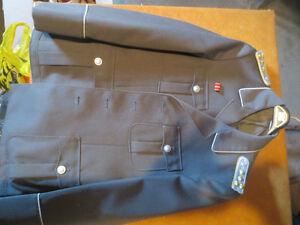 east german military uniform.