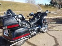 Honda Gold Wing - Fully Loaded **PRICED TO SELL**