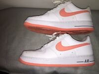 Nike Air Force 1 peace and white