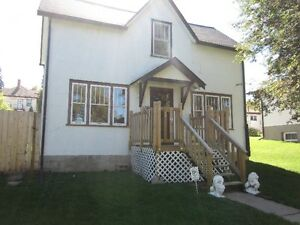 119 18th St E  Great Affordable Home!