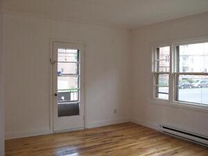 5 1/2 - 3 BEDROOMS - EXCELLENT VALUE - METRO VILLA MARIA NDG