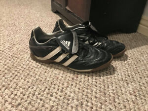 Womens indoor soccer shoes for sale - SIZE 8!