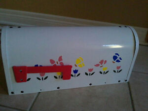 Brand new in box handpainted rural mailbox London Ontario image 4