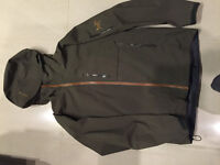 Arcteryx  Gore-tex  ( waterproof and breathable) shell jacket