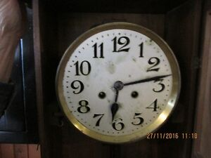 + Old Clock with Windup Key + London Ontario image 4