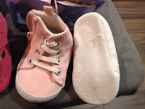 Baby girl shoes London Ontario image 6