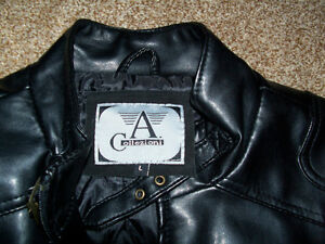 FAUX LEATHER JACKET - size L London Ontario image 2