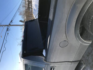 Tonneau cover for Ford F-150