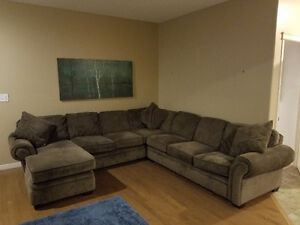 4 piece super comfy sectional with chaise and pullout bed