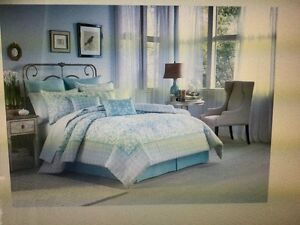 "Laura Ashley ""Halstead"" 4 Piece Comforter set-New"