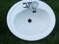 Barhroom sinks with faucets
