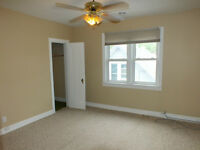 Neat and clean 2 Bedroom 1 bath apartment for rent