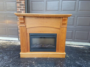 Oak Electric Fireplace w Remote