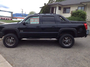 Chevrolet Avalanche Loaded Pickup Truck Lifted