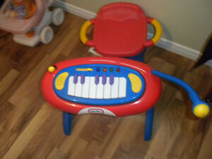Little Tikes keyboard with chair