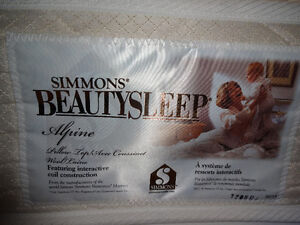 EXCELLENT, like new - DOUBLE mattress & boxspring - ONLY $450!