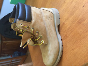 Ladies Timberland Boots - size 6  - worn once