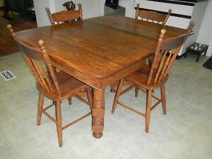 Antique kitchen table & chairs