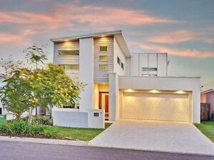 Large Room in Modern House Maroochydore Area Preview