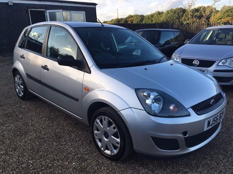 FORD FIESTA 1.2 2006 5DR * IDEAL FIRST CAR * CHEAP INSURANCE * FULL SERVICE HISTORY * HPI CLEAR *