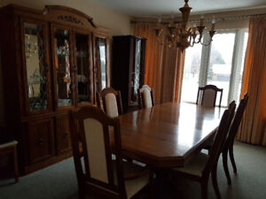 Buffet Hutch With Dinning Room Table And Chairs