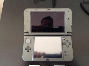 New 3DS XL Black Edition!! Looks brand new! Comes with 7 Games!