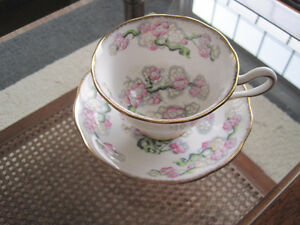 Royal Albert Tea Cup/ Saucer Sets (Page 1) Kitchener / Waterloo Kitchener Area image 4