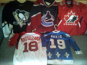 Chandails de hockey 30$ Chacun