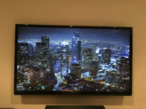 "PANASONIC VIERA TC-P60U50 60"" INCH TV!!!MINT CONDITION!!!"