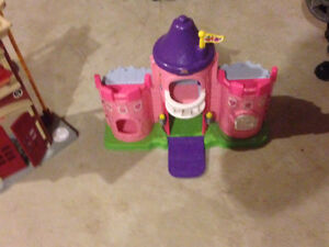 LITTLE PRINCESS PLAYHOUSE FOR FIGURINES