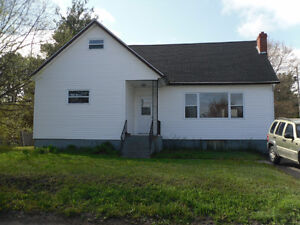 Spacious Family Home with Extra Large Back Yard in GFW!