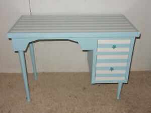 BEACH SERIES. Desk with a difference