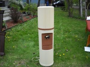 Distributeur d'eau West Island Greater Montréal image 1