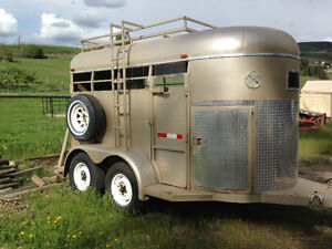 Invasion Horse Trailer