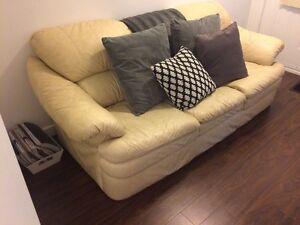 Leather Couch Kitchener / Waterloo Kitchener Area image 2