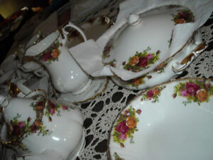 royal albert old country roses 12 couverts set vaisselle dishset