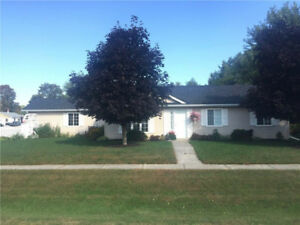 PERFECT 2BR RETIREMENT HOME IN INGLESIDE